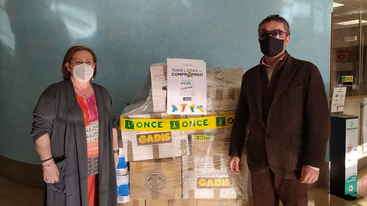 Más de 2.300 kilos de alimentos (La Voz de Galicia)