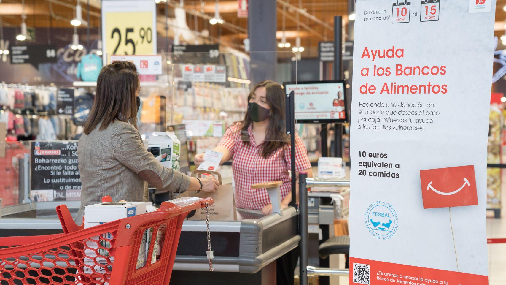 Vegalsa-Eroski dona 100.000 comidas para bancos de alimentos gracias a una de sus campañas